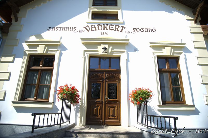 VADKERT MAJOR HOTEL RESTAURANT CAMPING